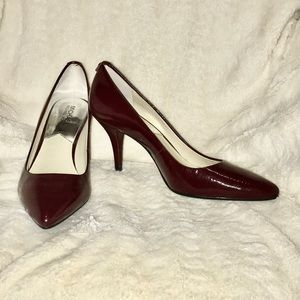 Like New! Michael Kors patent leather maroon pumps
